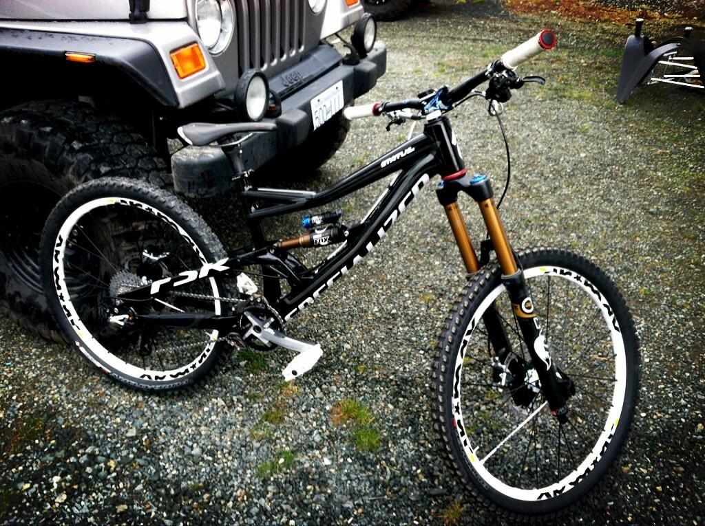 Darren Berrecloth's 2013 Specialized Status Freeride Bike - sspomer - Mountain Biking Pictures - Vital MTB