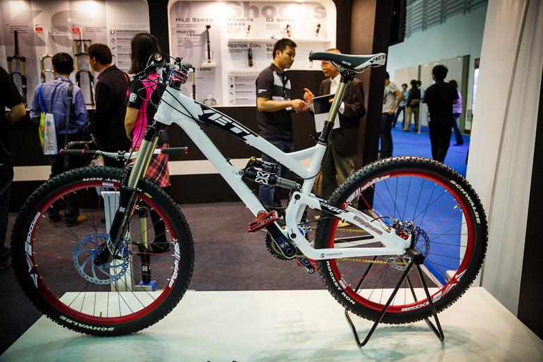 2013 Taipei Bike Show Gallery - Yeti SB66 with X-Fusion and Spank Build