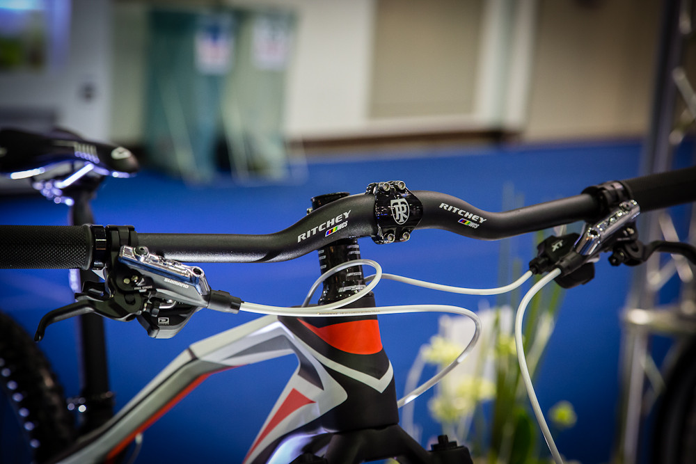Still Doing it Wrong - 2013 Taipei Bike Show Day 4 - The Awesome, Weird and Whacky - Mountain Biking Pictures - Vital MTB
