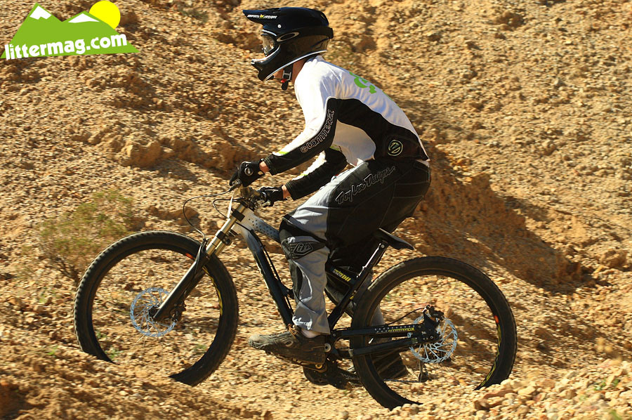 Commencal Supreme DH bottom out - G-Out Project: Bootleg Canyon - Mountain Biking Pictures - Vital MTB