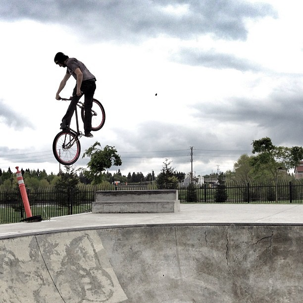 #SuperSession - Dylan Bibbins in Sacramento - #SuperSession on Instagram - Mountain Biking Pictures - Vital MTB