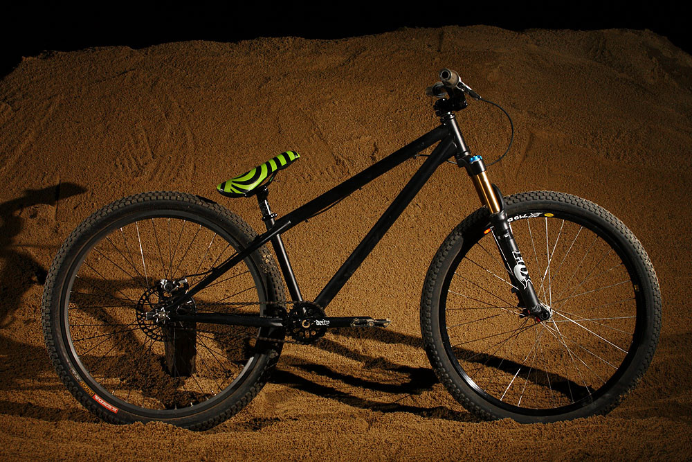 Deity Cryptkeeper Prototype Dirt Jumper - Deity Cryptykeeper Dirt Jumper Protoype - Mountain Biking Pictures - Vital MTB