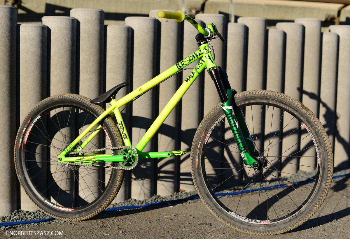 Top Mountain Bikes >> Pro Bike Check: Sam Pilgrim's 2013 NS Bikes Majesty Hardtail - Pro Bike Check: Sam Pilgrim's ...