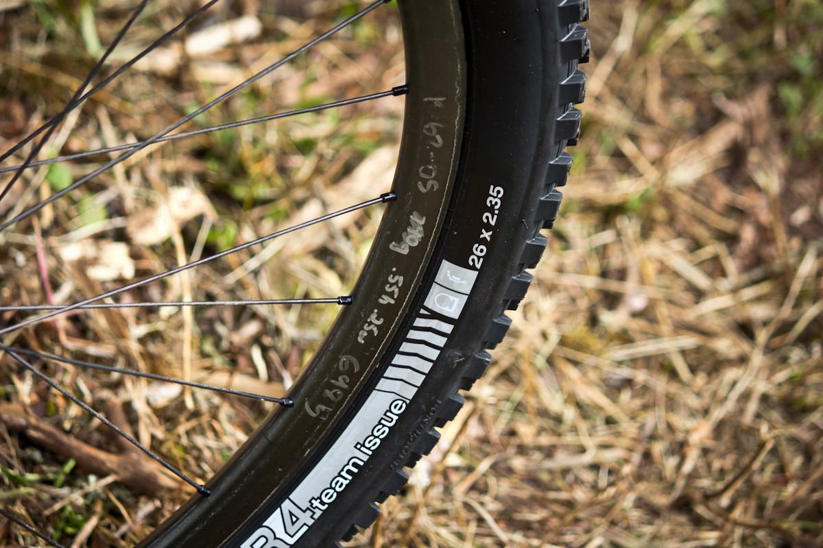 Prototype Carbon Rims on Ross Schnell's Trek Remedy  - Even More Enduro Bikes from 2013 Hood River Oregon Enduro - Mountain Biking Pictures - Vital MTB
