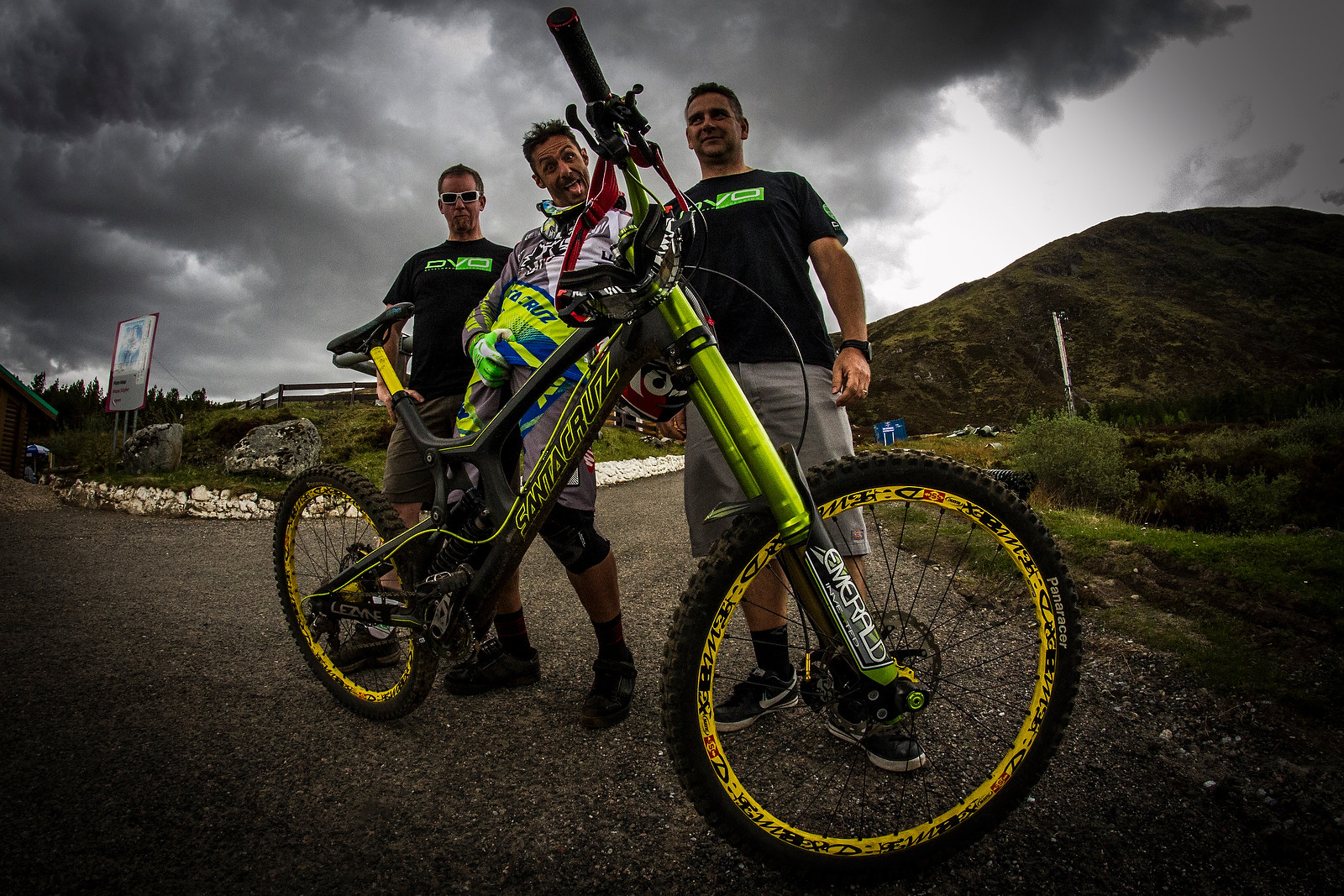 Cedric Gracia with his DVO-equipped Santa Cruz V10 at Fort William - 2013 Fort William World Cup Pit Bits - Mountain Biking Pictures - Vital MTB