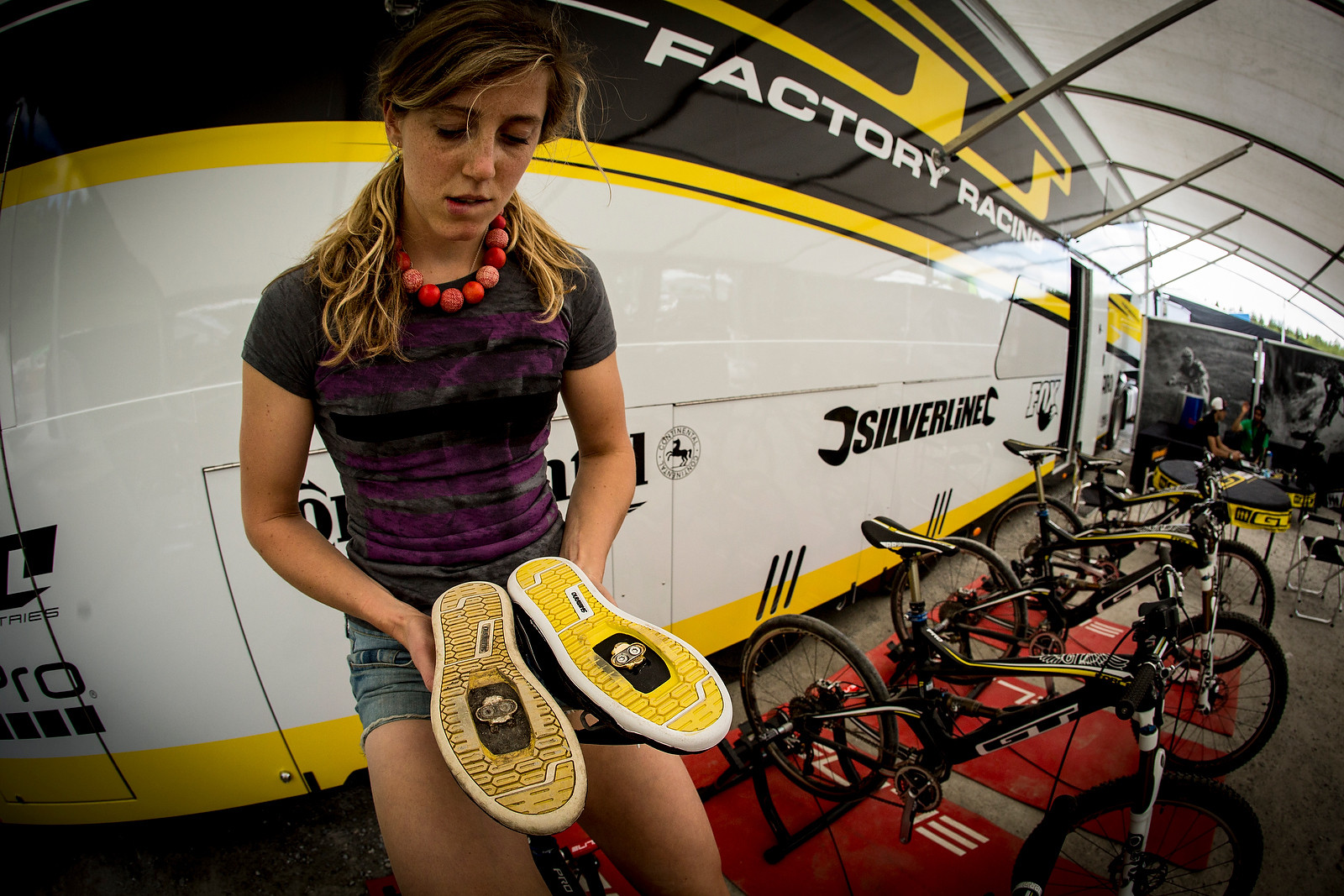 Rachel Atherton and Her Shoe Choice Dilema at Fort Wiliam - 2013 Fort William World Cup Pit Bits - Mountain Biking Pictures - Vital MTB