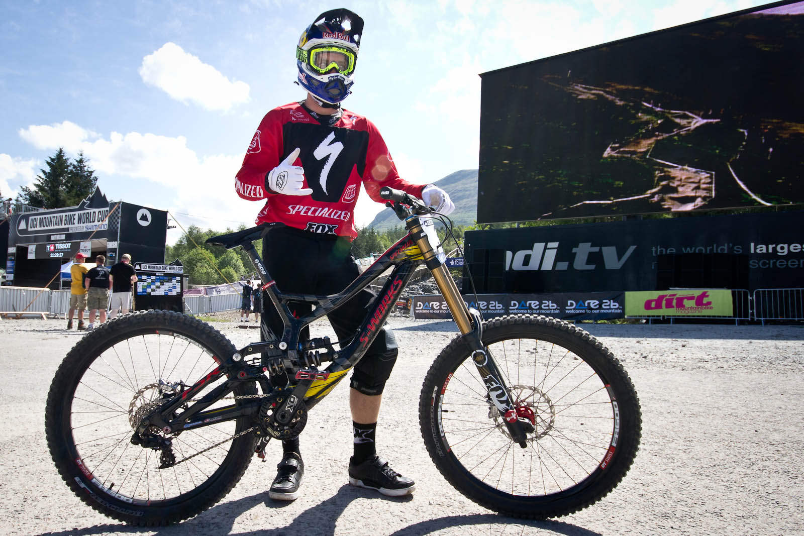Drag Racing Helmets >> Aaron Gwin's Specialized TLD Demo 8 Carbon - 24 Pro DH BIkes from Fort William World Cup ...