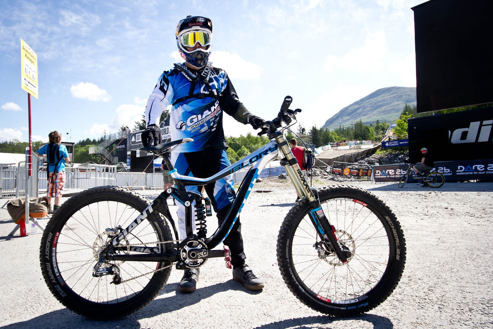 Marcelo Gutierrez's Giant Glory - 24 Pro DH BIkes from Fort William World Cup - Mountain Biking Pictures - Vital MTB