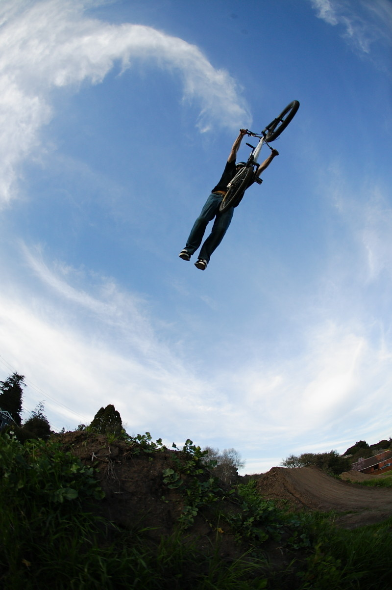 Cam Zink, Superman at Post Office Jumps 2007 - Cam Zink, Pro Rider Photo Gallery - Mountain Biking Pictures - Vital MTB