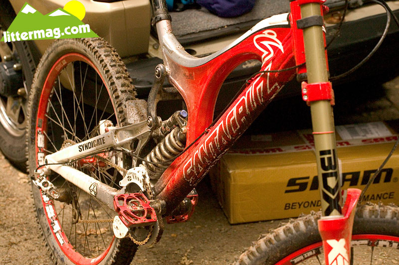 Hard to tell... - Prototype Santa Cruz Syndicate V10 Frames - Mountain Biking Pictures - Vital MTB
