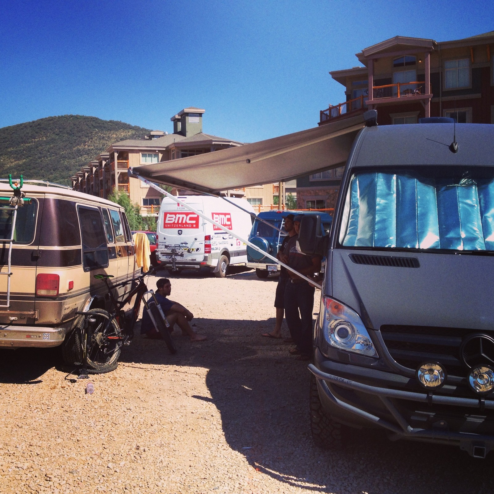 Casey Coffman Reno Van vs Brian Lopes' Sportsmobile - Race Report, Photos and Video: Bell Enduro Cup at Canyons Resort - Mountain Biking Pictures - Vital MTB