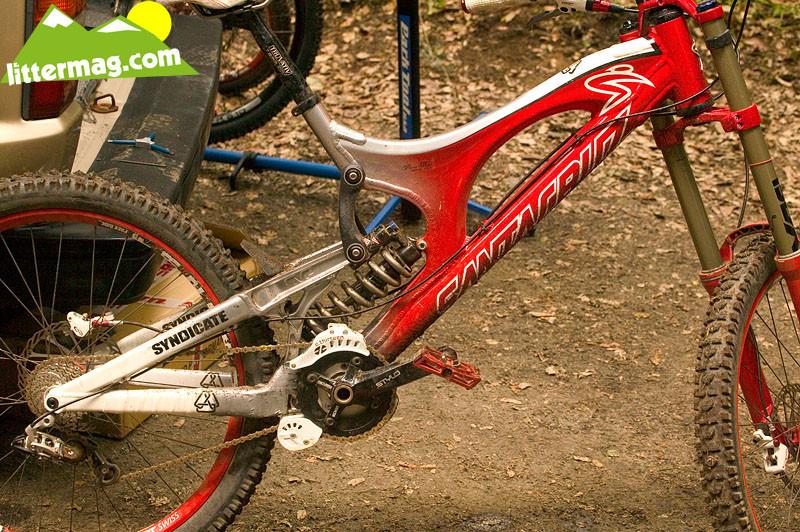 Get 'em dirty - Prototype Santa Cruz Syndicate V10 Frames - Mountain Biking Pictures - Vital MTB