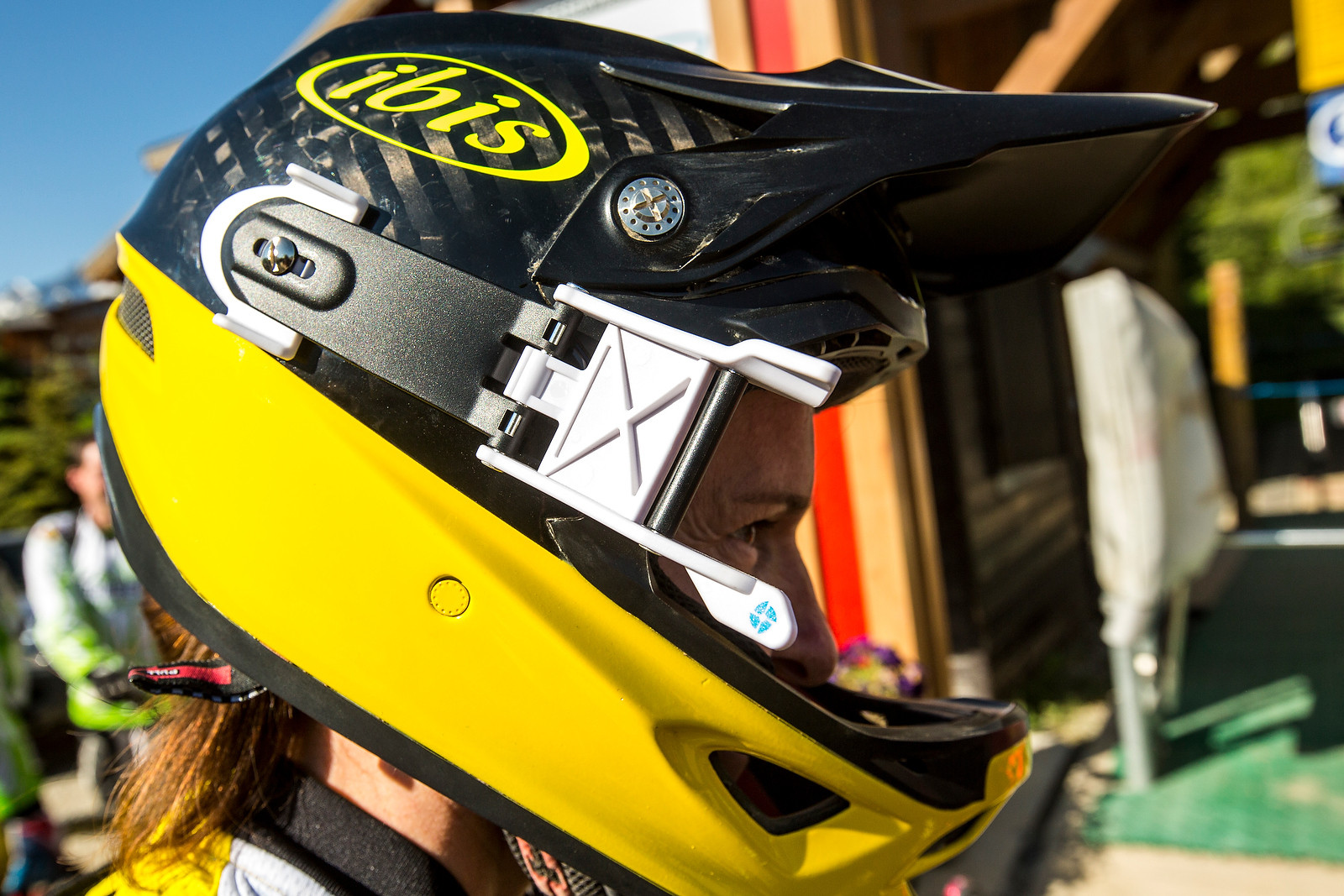 Mountain Bike Glasses - How To Choose MTB Eye Protection