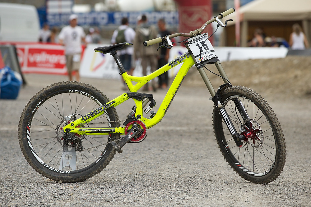 Winning Bike: Remi Thirion's BOS-equipped Commencal Supreme DH - Winning Bike: Remi Thirion's Commencal Supreme DH - Mountain Biking Pictures - Vital MTB