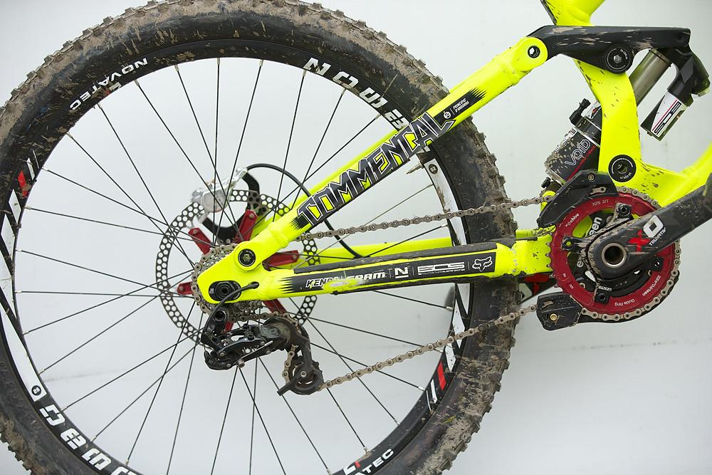 Winning Bike: Remi Thirion's BOS-equipped Commencal Supreme DH - Winning Bike: Remi Thirion's Commencal Supreme DH - Mountain Biking Pictures - Vital MTB