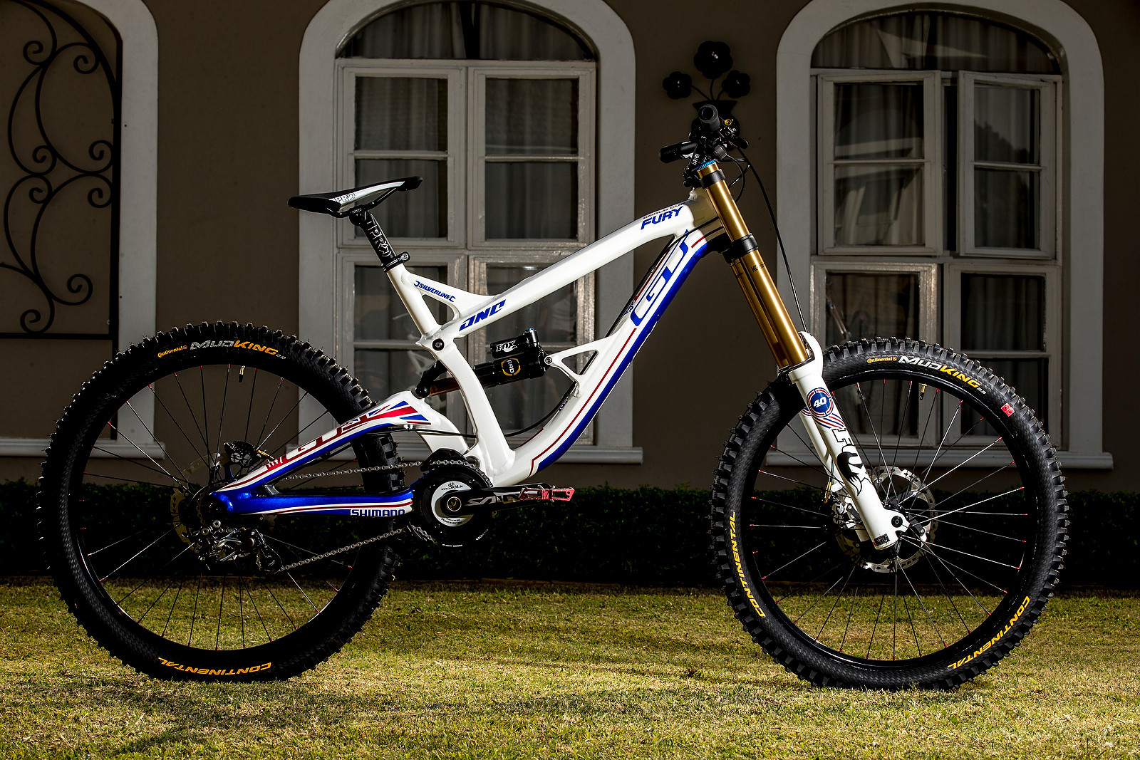 WORLD CHAMPS BIKE: Gee Atherton's GT Fury - WORLD CHAMPS BIKE: Gee Atherton's GT Fury - Mountain Biking Pictures - Vital MTB