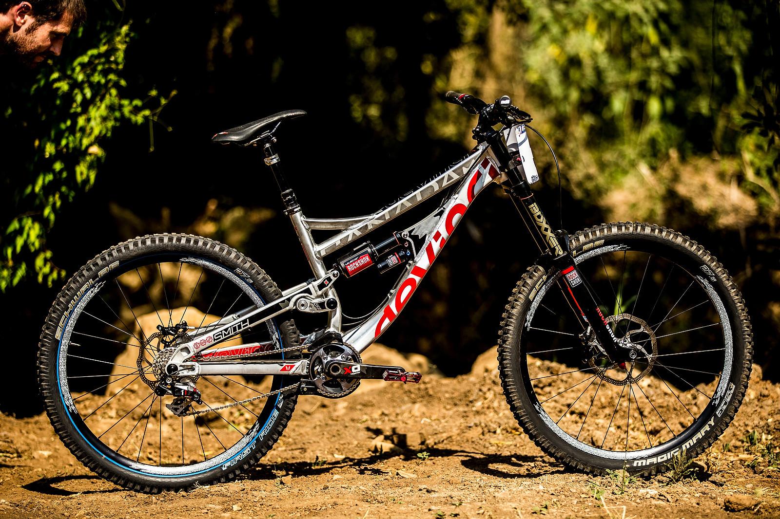 WORLD CHAMPS BIKE: Steve Smith's Custom Devinci - WORLD CHAMPS BIKE: Steve Smith's Custom Devinci - Mountain Biking Pictures - Vital MTB