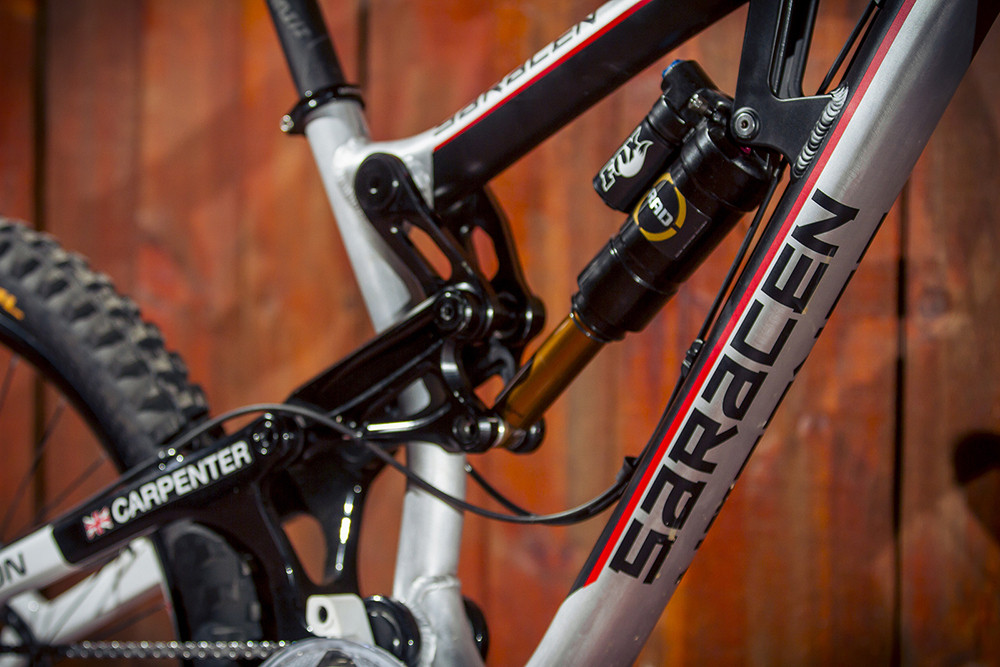 WORLD CHAMPS BIKE: Manon Carpenter's 2014 Saracen Myst - WORLD CHAMPS BIKE: Manon Carpenter's 2014 Saracen Myst - Mountain Biking Pictures - Vital MTB
