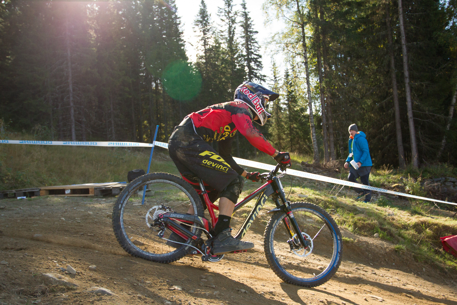 Nick Beer's Devinci Wilson Carbon Bottomed Out - G-OUT PROJECT: Hafjell World Cup - Mountain Biking Pictures - Vital MTB