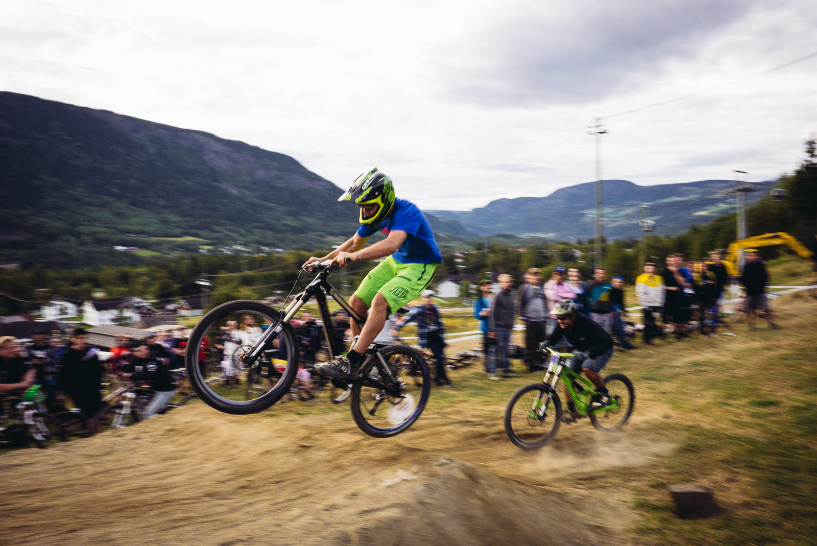 Pro Media vs Pro Racer, Industry World Champs - Has-Beens vs. Wannabes! Industry World Champs Race at Hafjell - Mountain Biking Pictures - Vital MTB