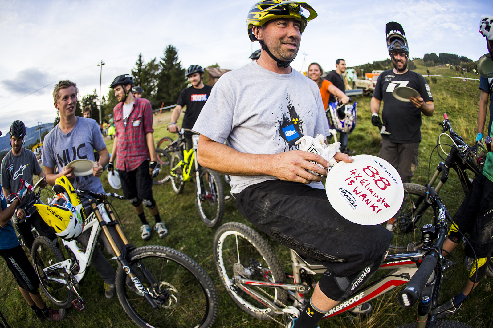 Nigel's True Feelings Come Out - Has-Beens vs. Wannabes! Industry World Champs Race at Hafjell - Mountain Biking Pictures - Vital MTB