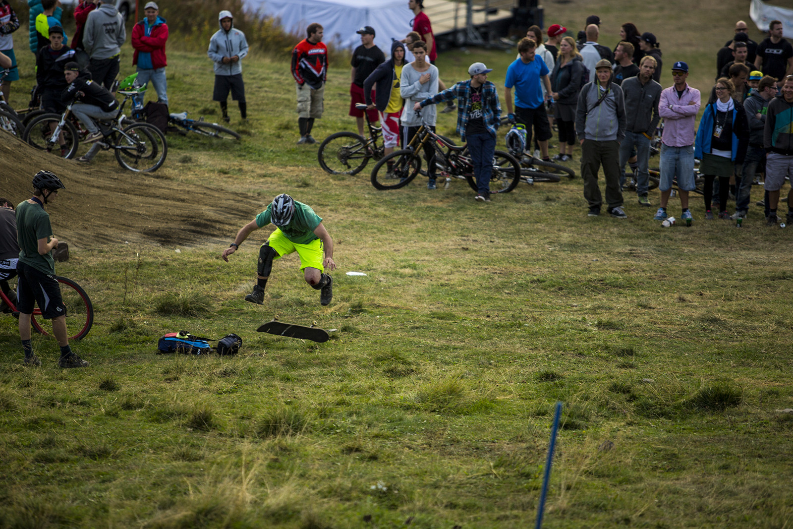 Sven Going Mongo - Has-Beens vs. Wannabes! Industry World Champs Race at Hafjell - Mountain Biking Pictures - Vital MTB