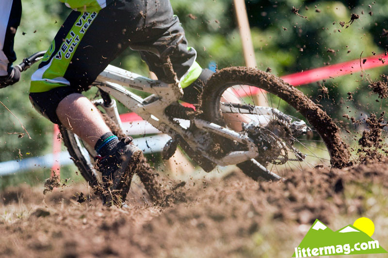 Another reason downhill rules! - 2009 UCI World Cup Maribor - Day 4 - Mountain Biking Pictures - Vital MTB