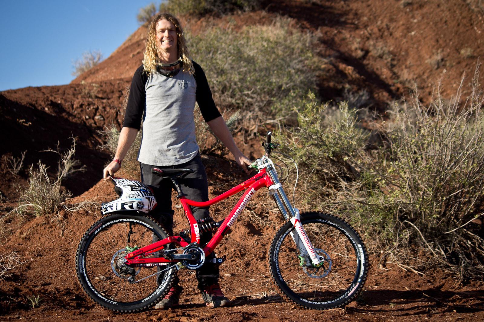 Rampage Pro Bike: Kelly McGarry's Diamondback DB8 - Rampage Pro Bike: Kelly McGarry's Diamondback DB8 - Mountain Biking Pictures - Vital MTB