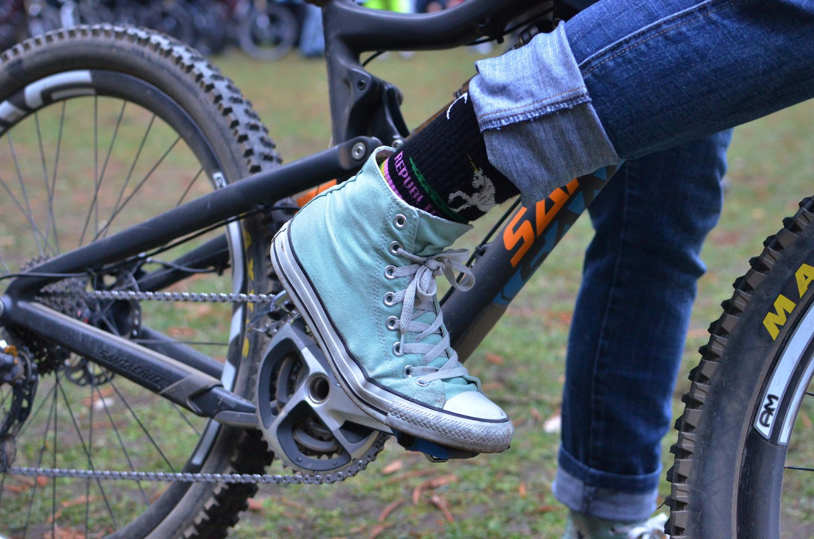 Kathy Pruitt's Santa Cruz Bronson - PIT BITS - 2013 Santa Cruz Super Enduro - Mountain Biking Pictures - Vital MTB