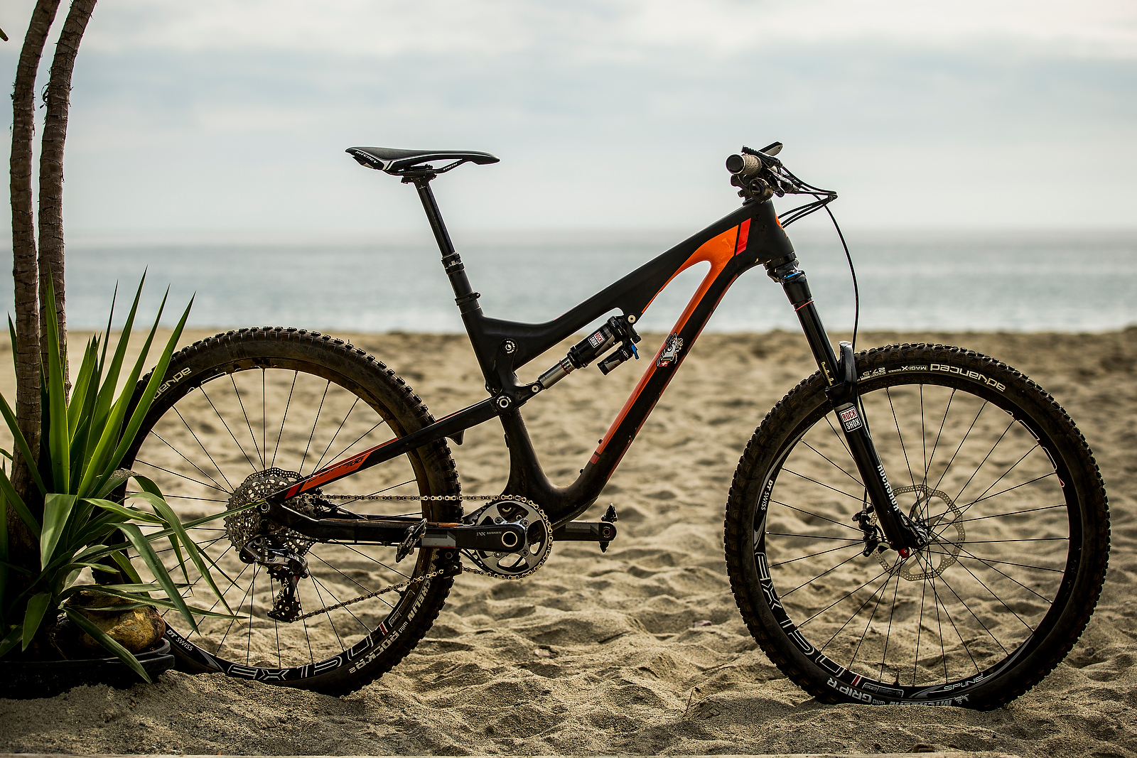What Does The Xc World Champ Ride For Enduro Nino