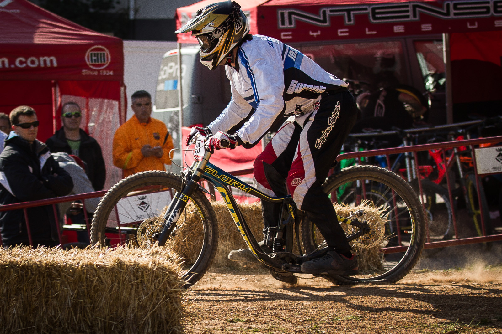 Huck to Flat! Giant Glory DH Bottom Out - Flat Landing Fails or Casing Carnage - 37 Downhill Bike G-Out Photos from Spain - Mountain Biking Pictures - Vital MTB