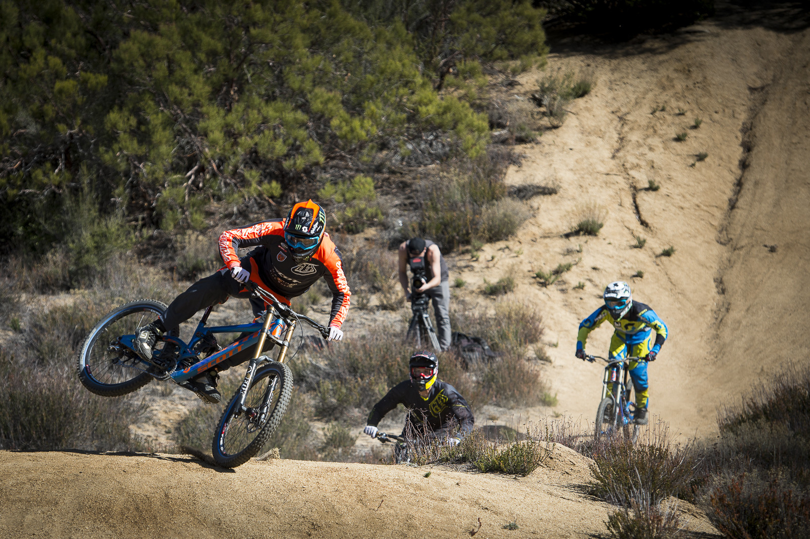 Semenuk, Fairclough and Vink - Ruling in SoCal for Life Behind Bars - Semenuk, Fairclough and Vink - Huge Whips in SoCal - Mountain Biking Pictures - Vital MTB