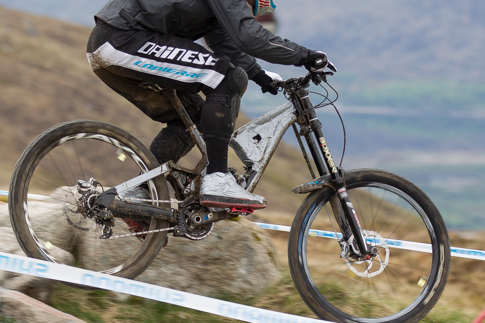 All New Lapierre Prototype DH Bike Spotted in Fort William - All New Lapierre Prototype Spotted in Fort William - Mountain Biking Pictures - Vital MTB