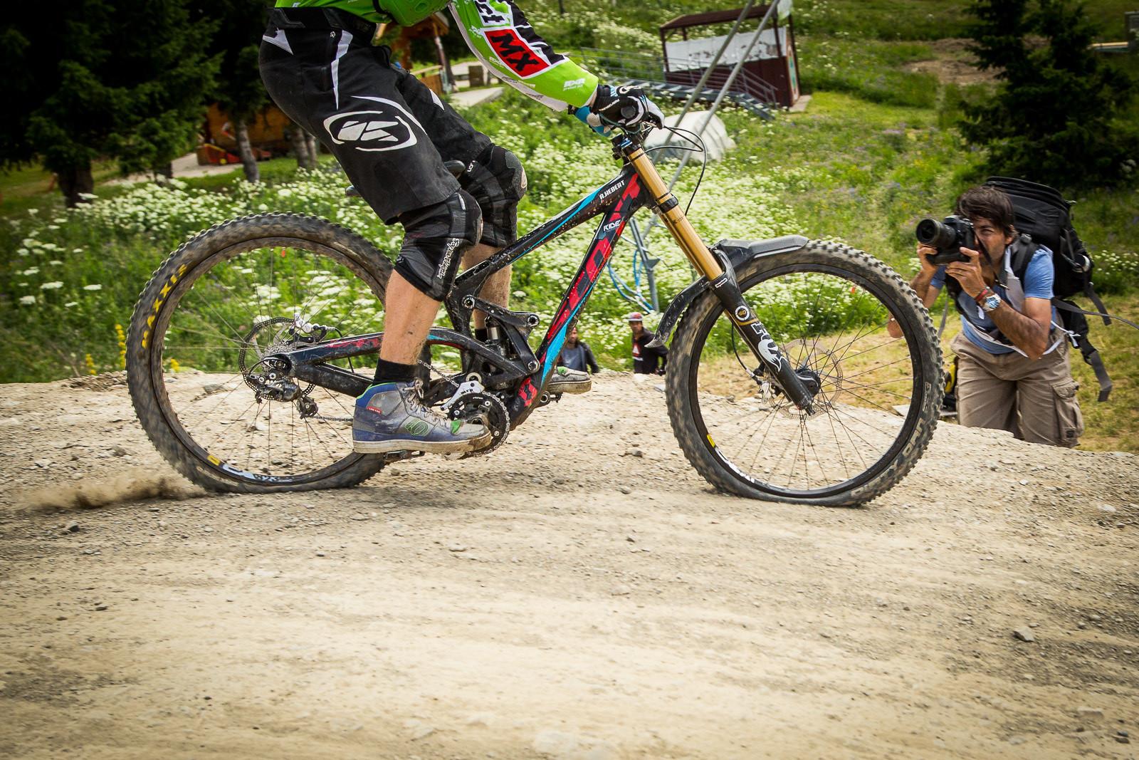 G-Out Project Crankworx L2A - Scott Gambler Massive Squish! - G-Out Project: Crankworx L2A Air DH - Mountain Biking Pictures - Vital MTB