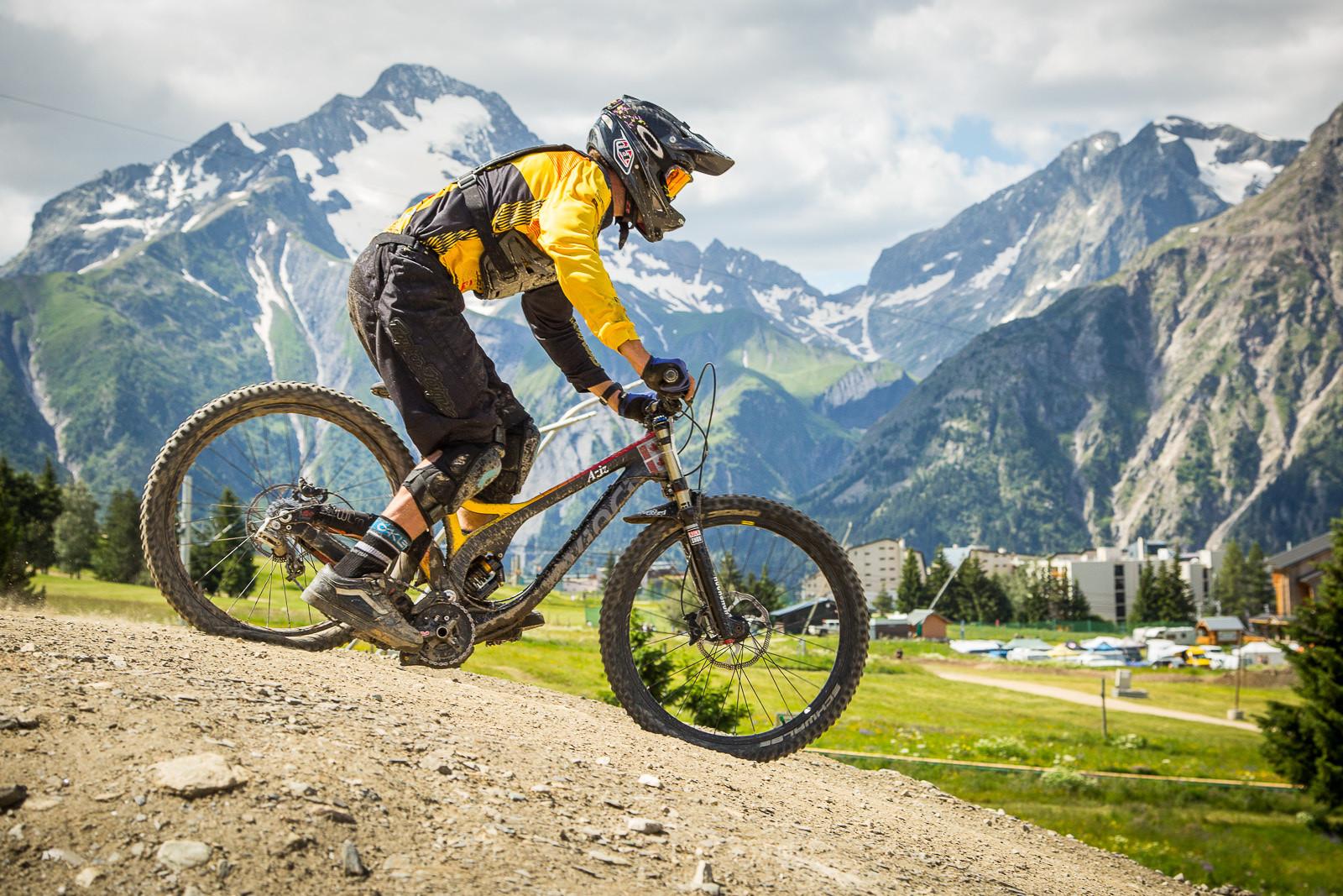 Devinci Wilson Bottom Out - G-Out Project: Crankworx L2A Air DH - Mountain Biking Pictures - Vital MTB