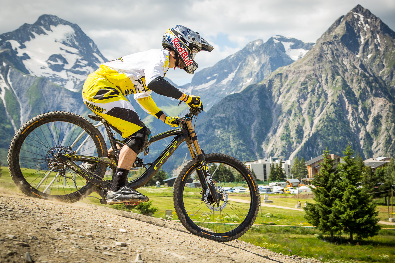 Gee Atherton Massive Bottom Out - G-Out Project: Crankworx L2A Air DH - Mountain Biking Pictures - Vital MTB