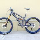 Jared Graves' Prototype Long-Travel Yeti SB6C with Switch Infinity