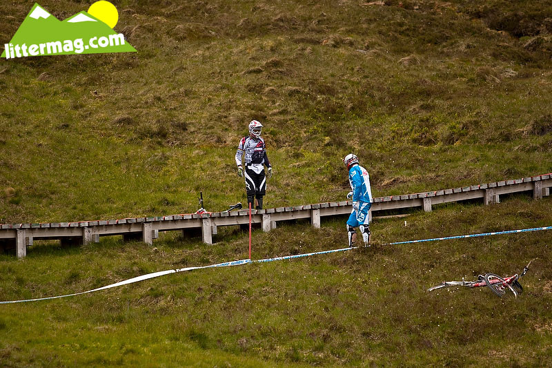 Into the bog - 2009 UCI World Cup Fort William - Day 2 - Mountain Biking Pictures - Vital MTB