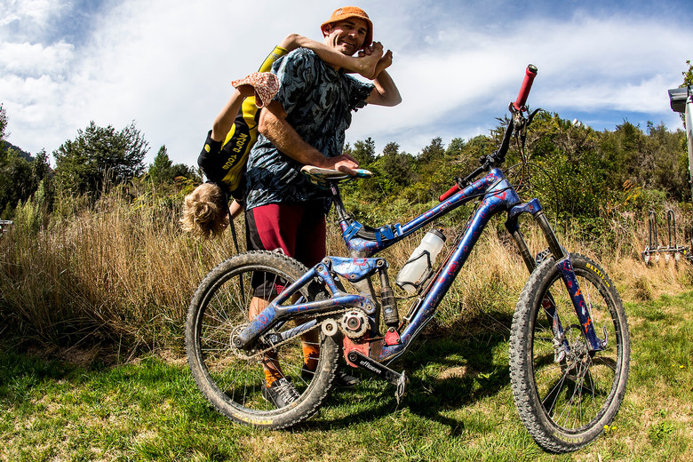 DIY Carbon Gearbox Enduro Bike - Richard Goldsbury's Bike