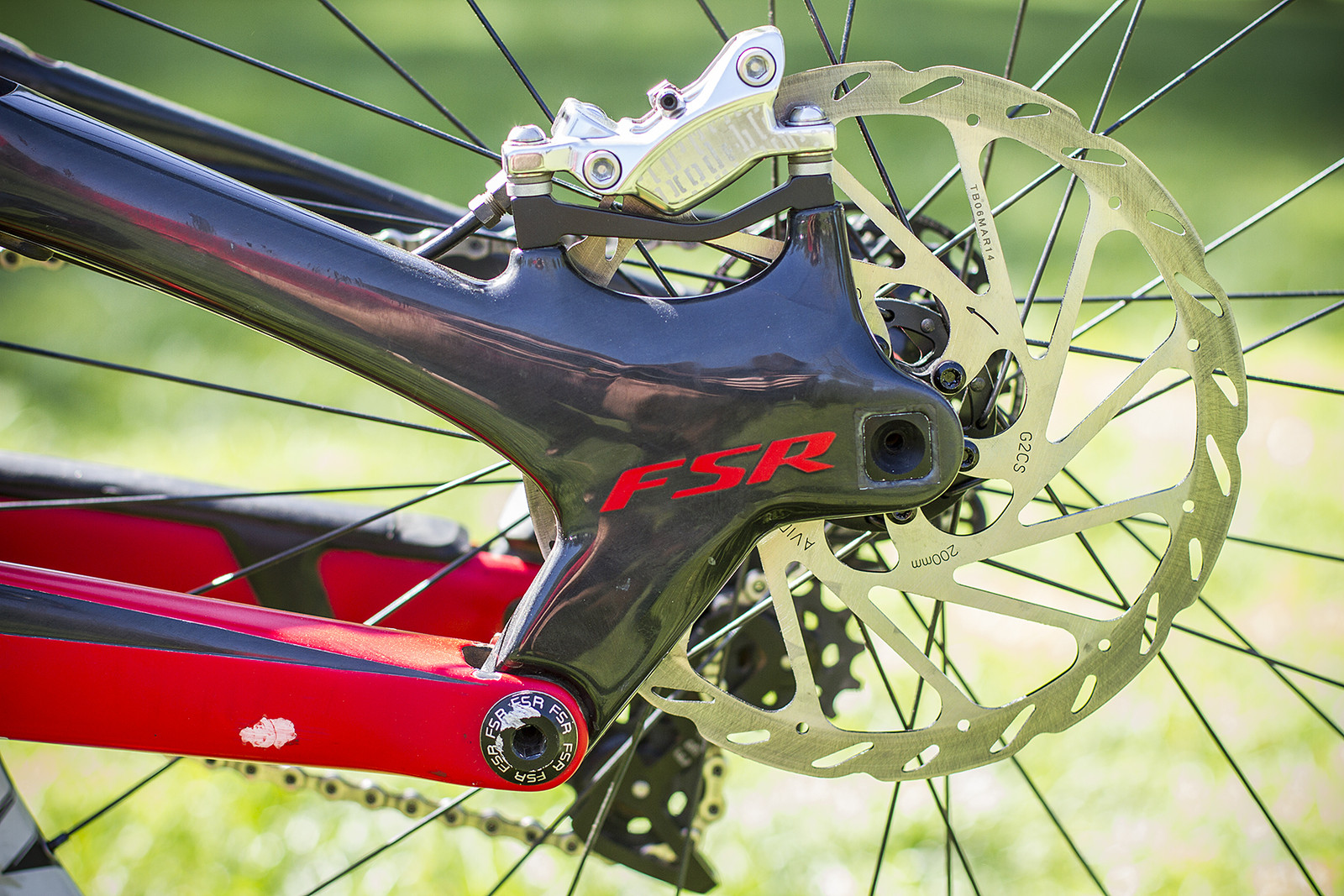 Avid Code Brakes with 200mm Rotors on Gwin's Demo - Pro Bike Check: Aaron Gwin's Specialized S-WORKS Demo 8 - Mountain Biking Pictures - Vital MTB
