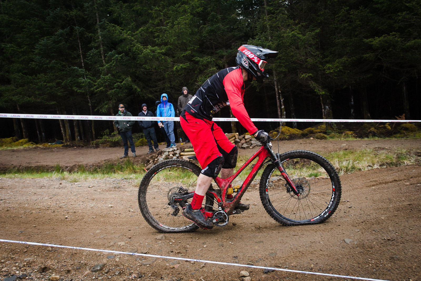 G-Out Fort William - Specialized S-Works Demo 8 - G-Out Project - Fort William BDS 2015 - Mountain Biking Pictures - Vital MTB