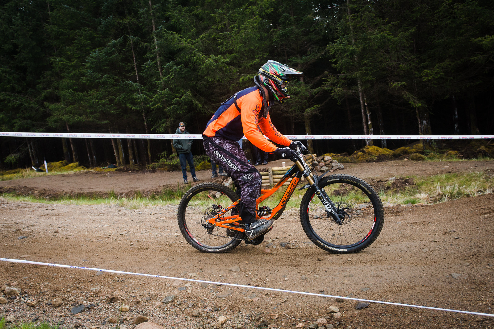 G-Out Fort William - Specialized Demo 8 - G-Out Project - Fort William BDS 2015 - Mountain Biking Pictures - Vital MTB