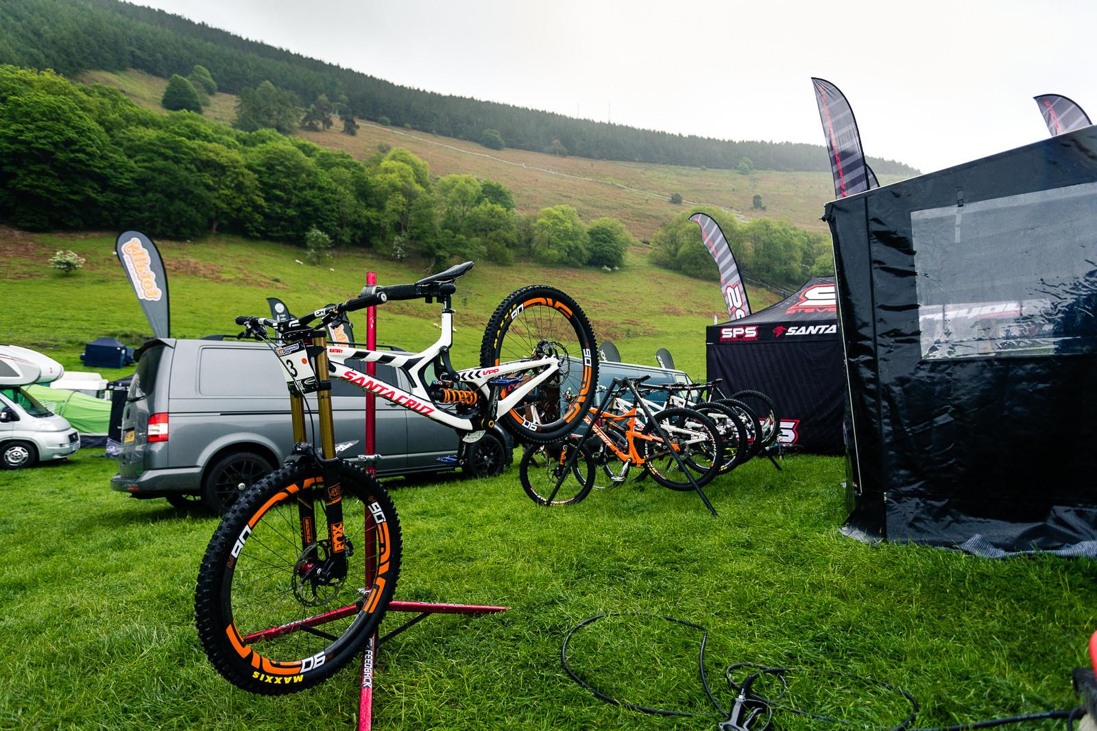 Josh Bryceland's Santa Cruz V10 at Llangollen BDS. - PIT BITS - British Downhill Series, Llangollen - Mountain Biking Pictures - Vital MTB
