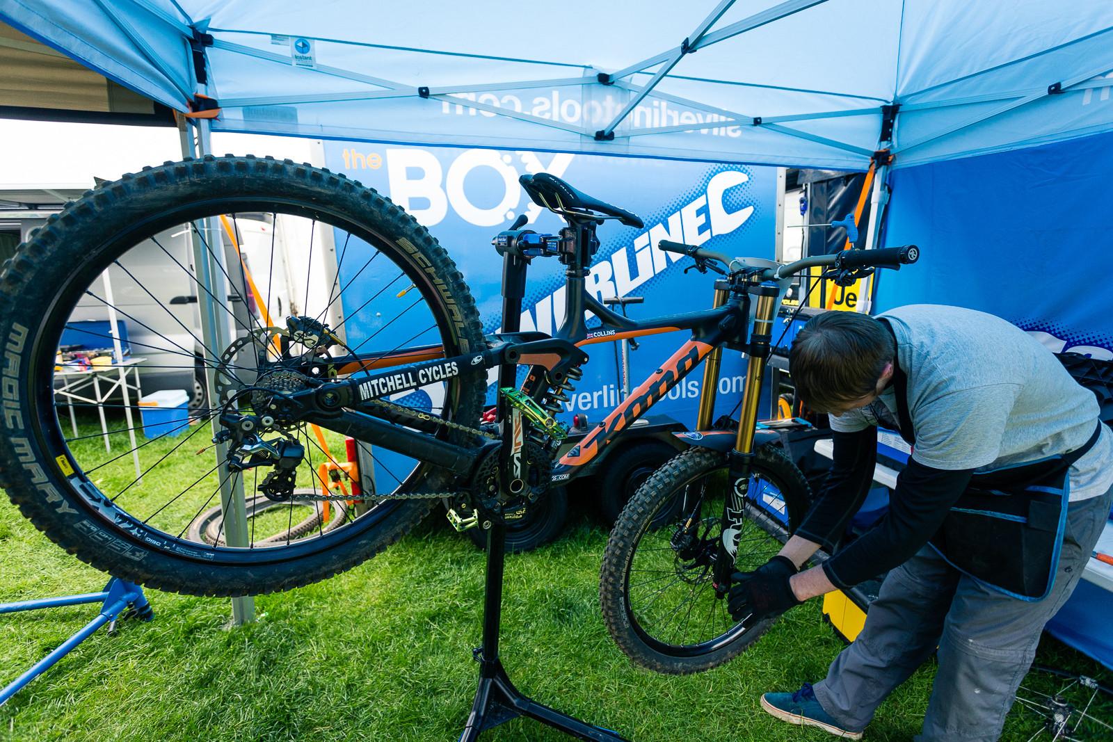 Kona Supreme Operator, BDS Llangollen - PIT BITS - British Downhill Series, Llangollen - Mountain Biking Pictures - Vital MTB
