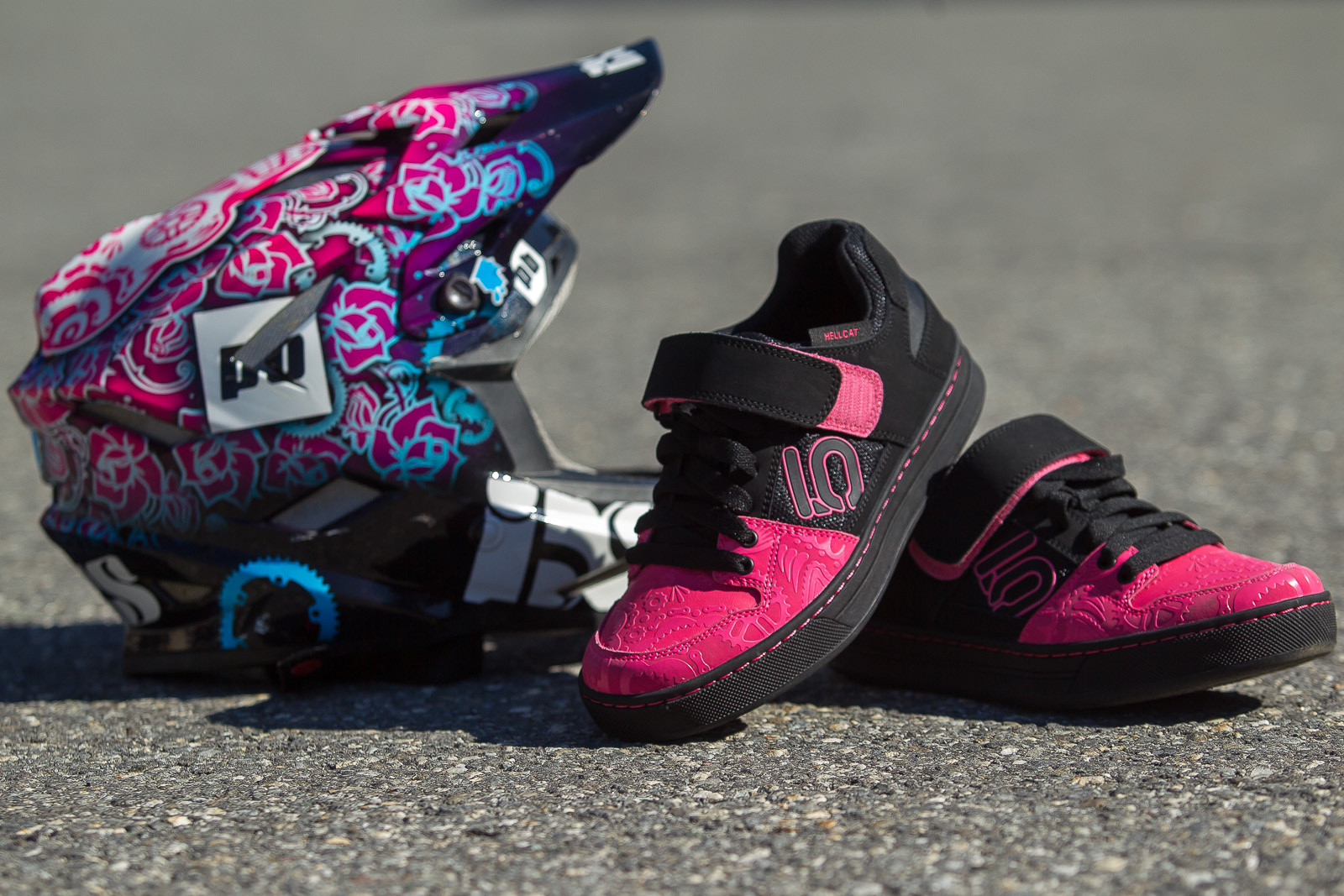 Tracey Hannah's Custom Five Ten Hellcat Shoes - PIT BITS - World Cup Lenzerheide, Switzerland - Mountain Biking Pictures - Vital MTB