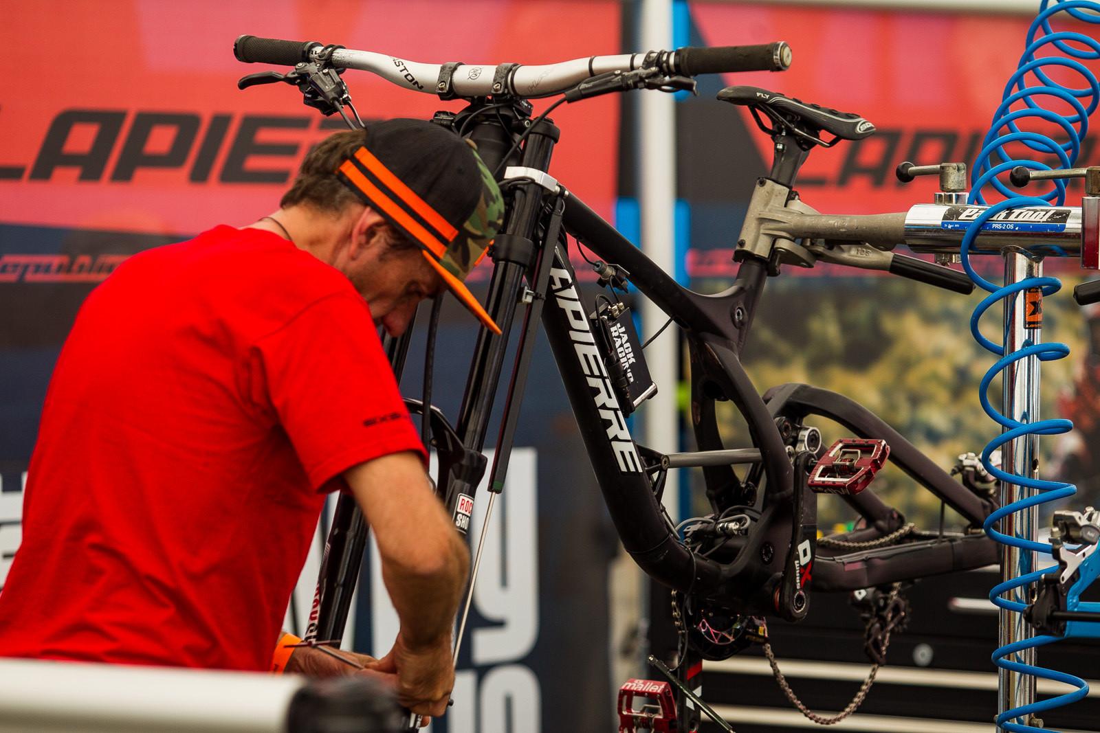 Lapierre's Data Acquisition Setup - PIT BITS - World Cup Lenzerheide, Switzerland - Mountain Biking Pictures - Vital MTB
