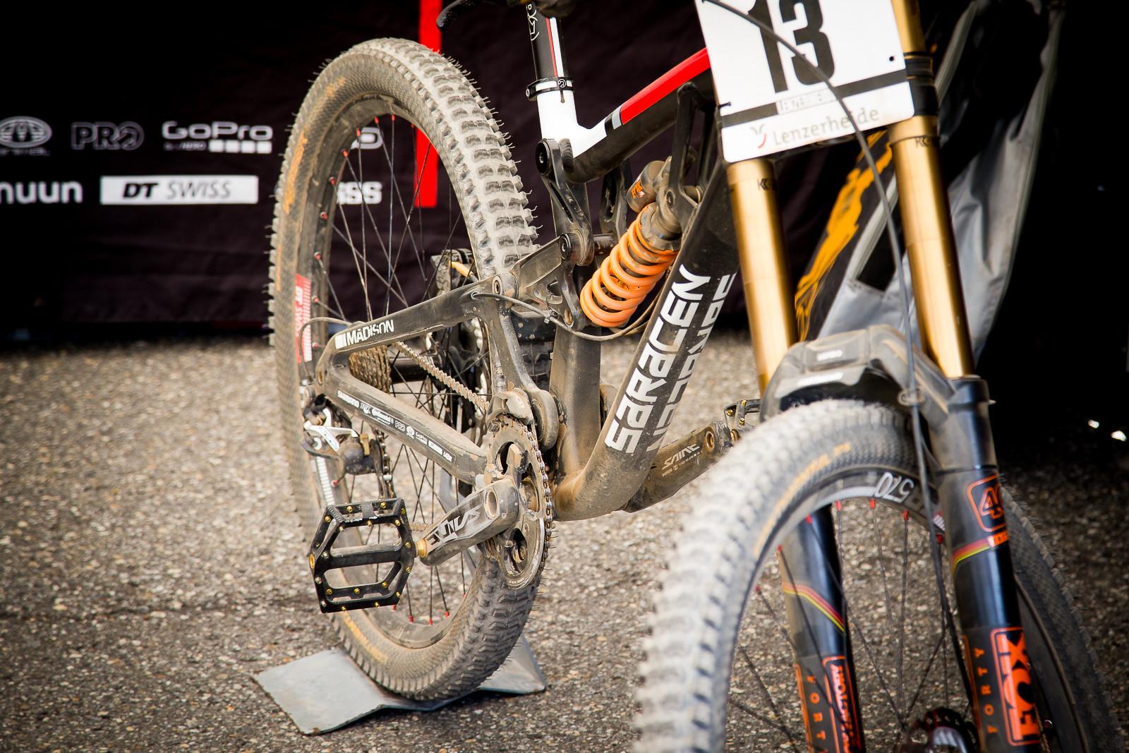Sam Dale on Flat Pedals - PIT BITS - World Cup Lenzerheide, Switzerland - Mountain Biking Pictures - Vital MTB