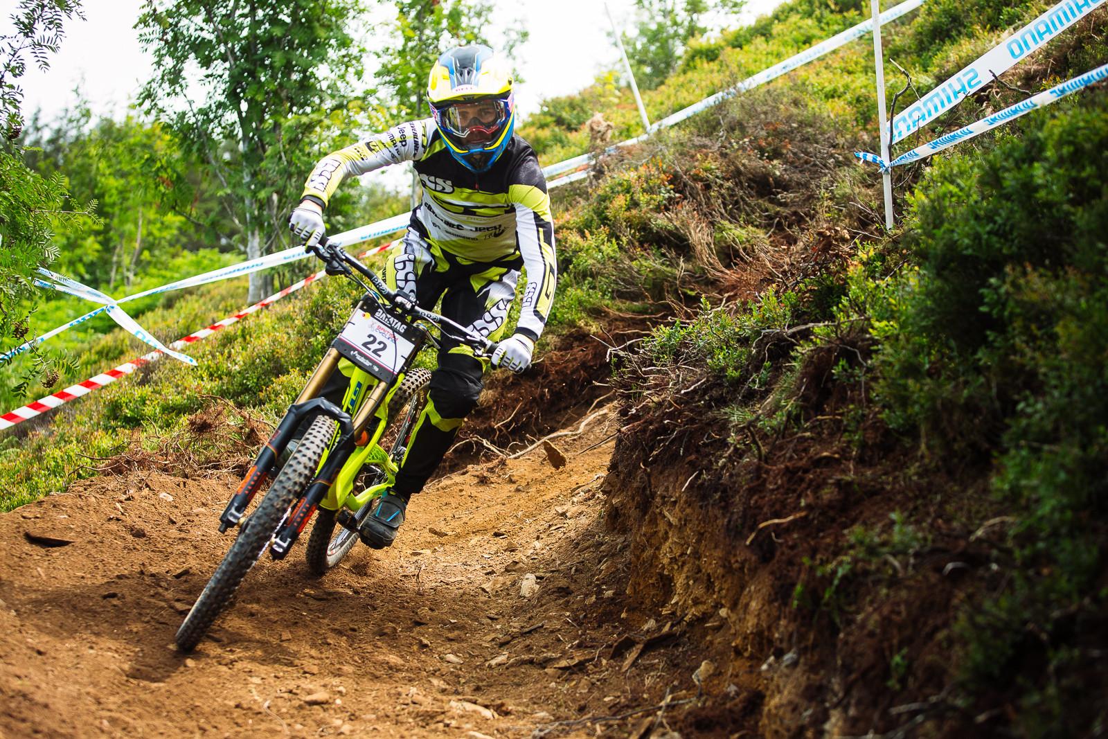 Taylor Vernon - 2015 British National Champs Downhill - 2015 British National Champs Downhill Photos - Mountain Biking Pictures - Vital MTB