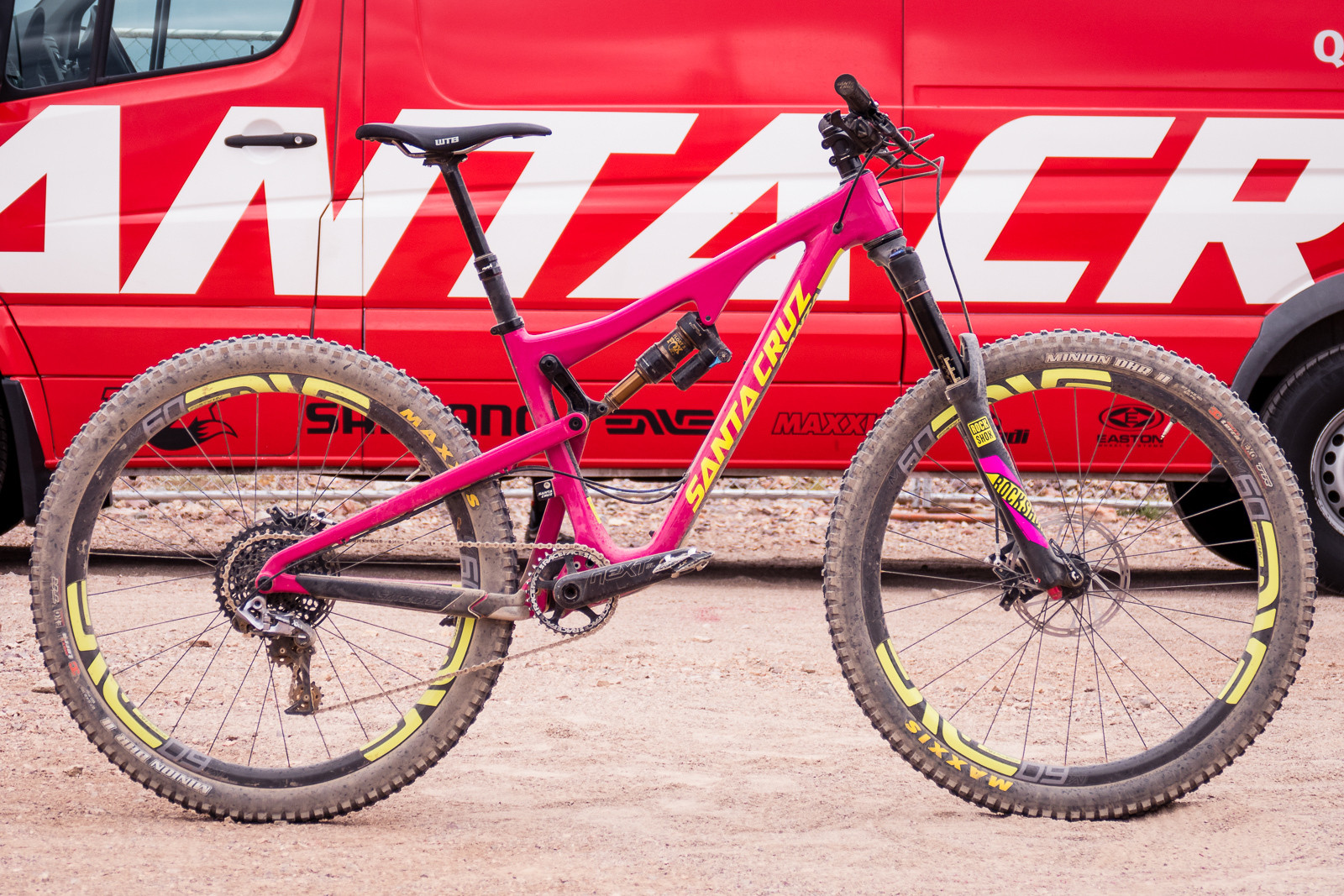 2016 Santa Cruz Bronson II Carbon - 2016 Trail and Enduro Bikes at Interbike - Mountain Biking Pictures - Vital MTB