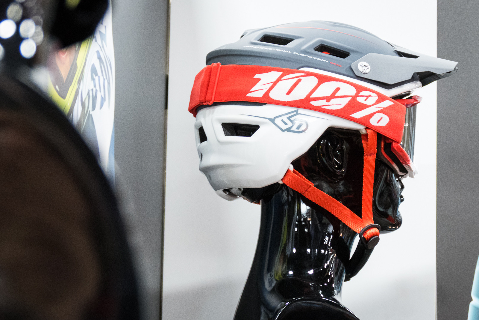 6D Enduro / Trail Helmet - 2016 Protective Gear and Apparel at Interbike - Mountain Biking Pictures - Vital MTB